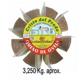 Queso Semicurado de oveja cortado en Porciones . (3,250 Kg. aprox.)