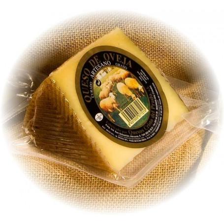 Cuña Queso Artesano de oveja Curado(400 g. aprox)